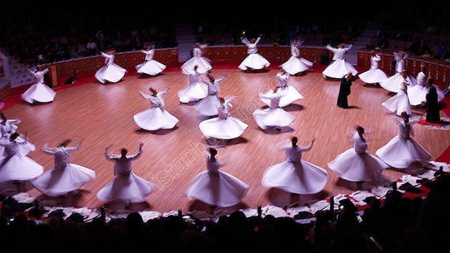 استانبول در دسامبر، هفته بزرگداشت مولانا